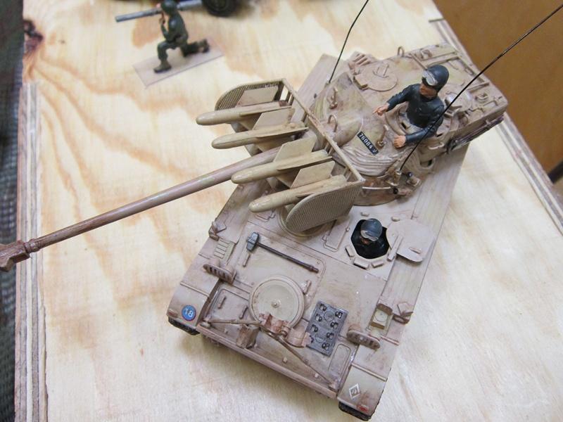 AMX 13 SS 11  Heller au 1/35 405965IMG0536800x600