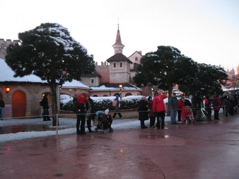 [Disneyland Paris] Disneyland Hotel - chambre Castle Club (8-10 décembre 2010) (début du TR p.9) - Page 10 406823IMG2253