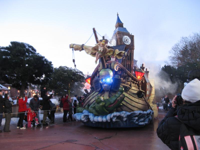 [Disneyland Paris] Disneyland Hotel - chambre Castle Club (8-10 décembre 2010) (début du TR p.9) - Page 10 407946IMG2286