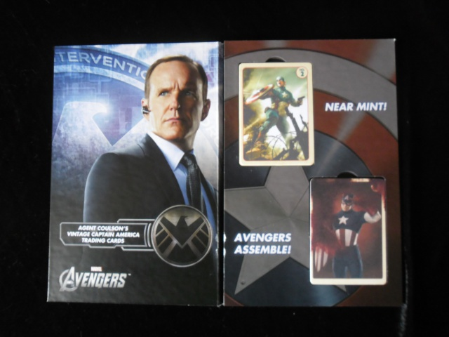EFX COLLECTIBLES : AGENT COULSON'S VINTAGE CAPTAIN AMERICA TRADING CARDS  409785SAM2524