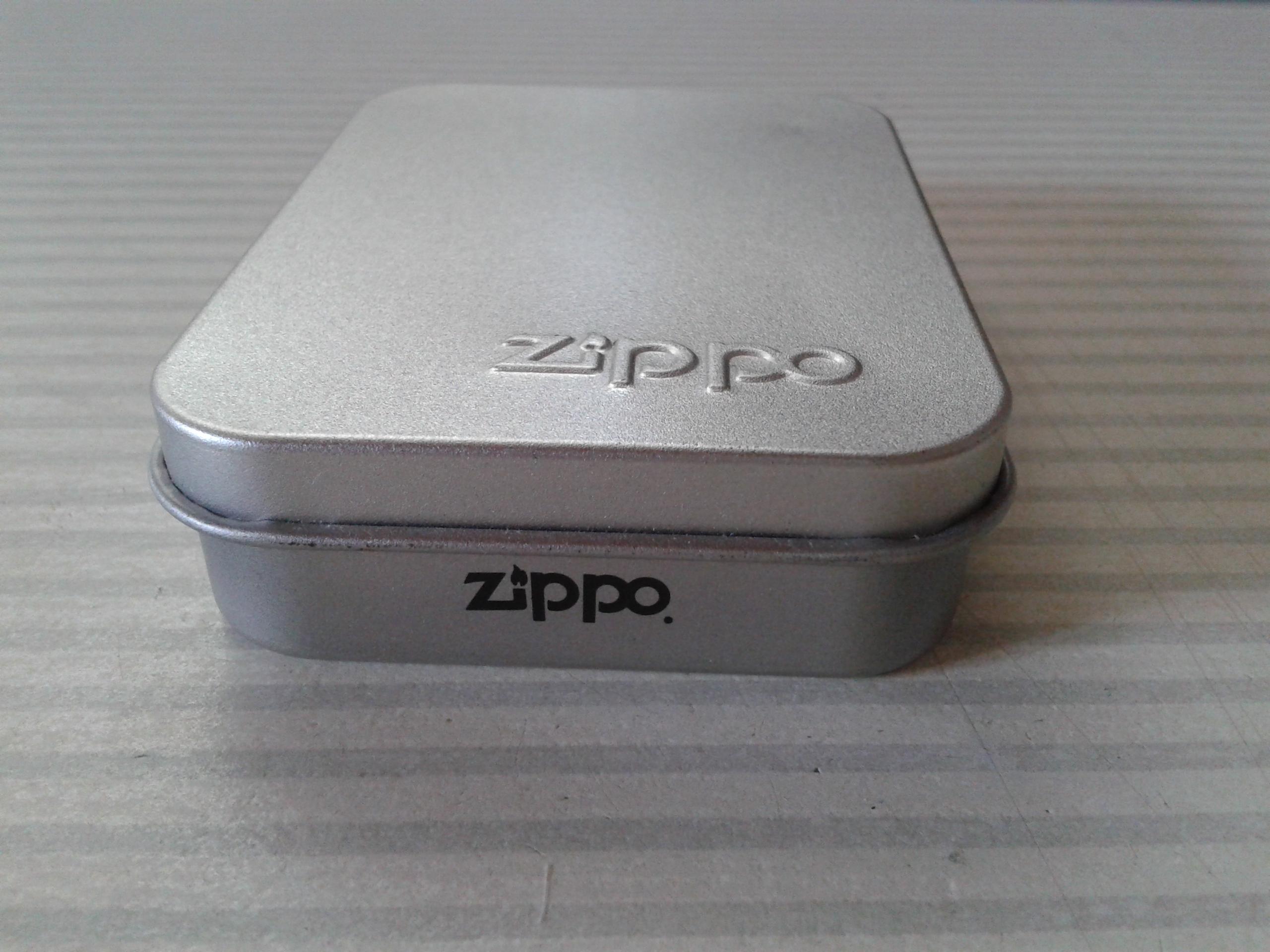 Les boites Zippo au fil du temps - Page 2 412756Windproof3