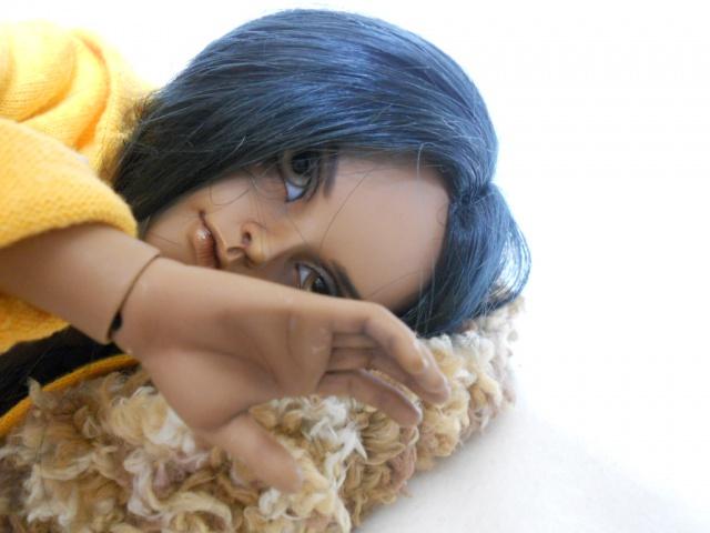 Nouvelles dolls : DimAria, LTF Ante et Lishe :) - Page 5 416098jaune2