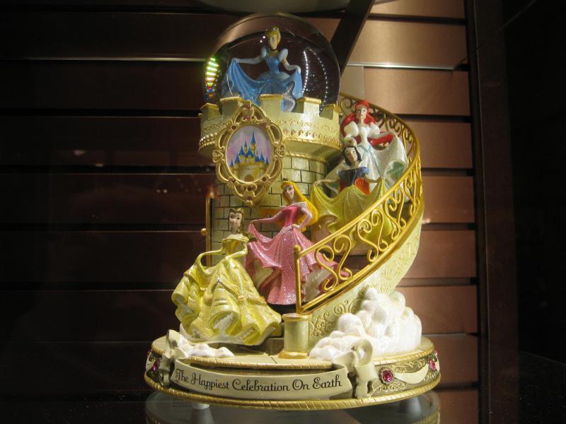 [Disneyland Paris] Disneyland Hotel - chambre Castle Club (8-10 décembre 2010) (début du TR p.9) - Page 8 418818IMG2107