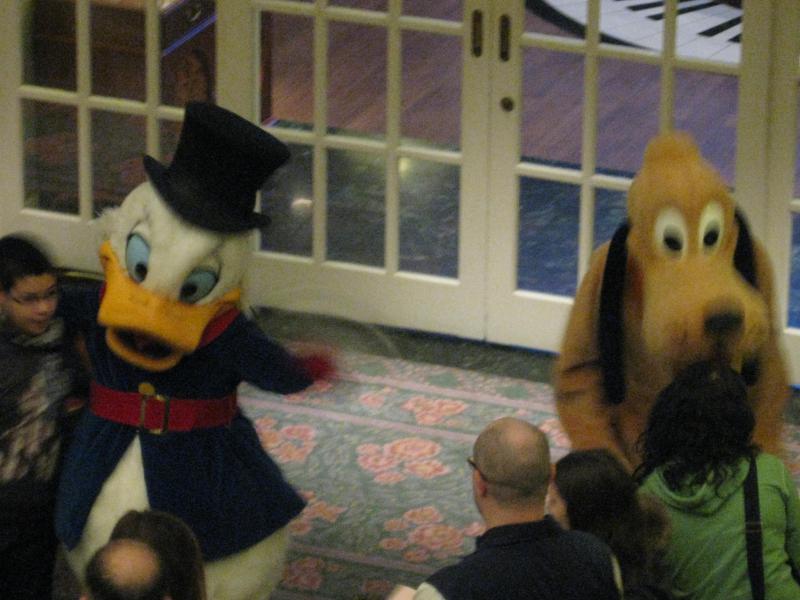 [Disneyland Paris] Disneyland Hotel - chambre Castle Club (8-10 décembre 2010) (début du TR p.9) - Page 10 423209IMG2421