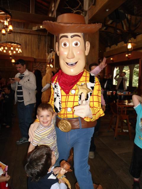 Un anniversaire chez Mickey les 9 & 10 juin 2011 - Hôtel Cheyenne  424186DSC00486