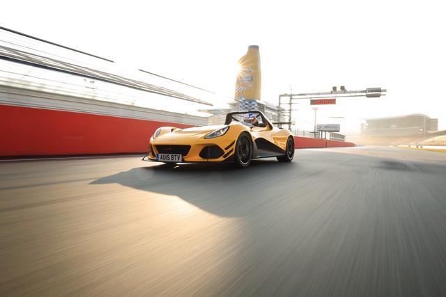 Lotus 3-Eleven établit un nouveau record au tour sur le circuit  d'Hockenheim  4252482016Lotus3ElevenSportAuto02