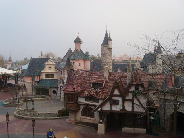 [Disneyland Paris] Premier séjour au DLH (31 janv.-2 fév. 2011) + un anniversaire inoubliable ! - Page 2 42994021