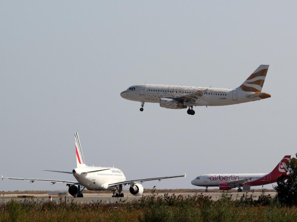 Aéroport de Nice Côte d'Azur , [LFMN-NCE] - Page 6 431688IMG0091