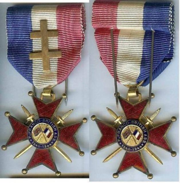 LES DÉCORATIONS AU CHOC 1943-1945. 433283croixdhonneurFrancoBritannique