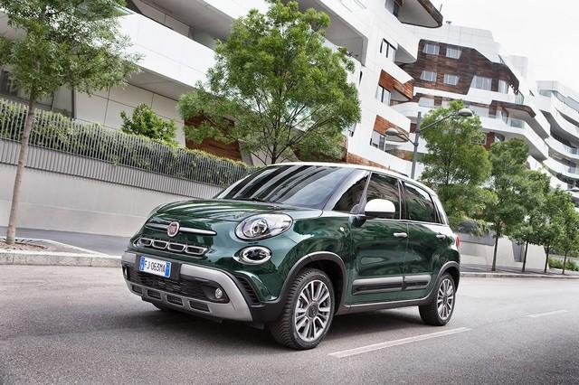 La Nouvelle Fiat 500L 435138170522FiatNew500LCross05