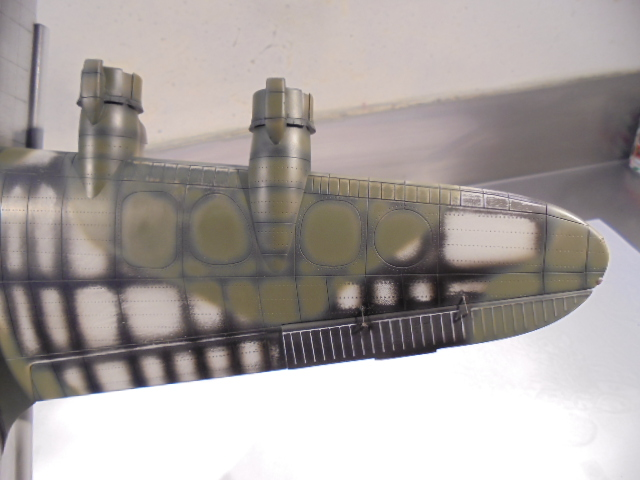 Short Stirling MkIII BF-513 Italeri 1/72, 2ème !!!!!....Terminé!!! - Page 3 436752DSC00018