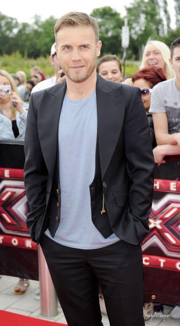 Gary arrive à l'audition de X Factor à Birmingham 1/06/11 436973HQ001
