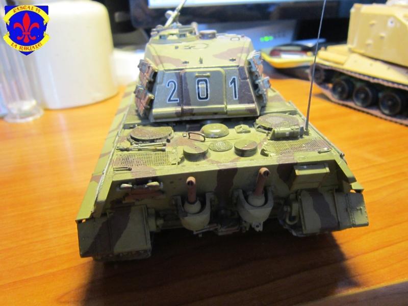 Sd.Kfz.182 King Tiger à tourelle Henschel de Dragon au 1/35e par pascal 94 - Page 2 438295IMG1609b