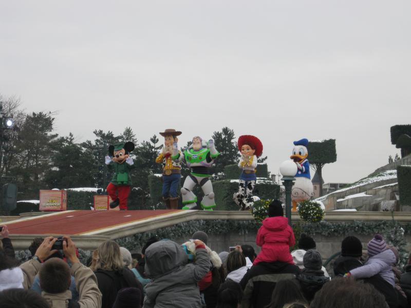 [Disneyland Paris] Disneyland Hotel - chambre Castle Club (8-10 décembre 2010) (début du TR p.9) - Page 10 451806IMG2532