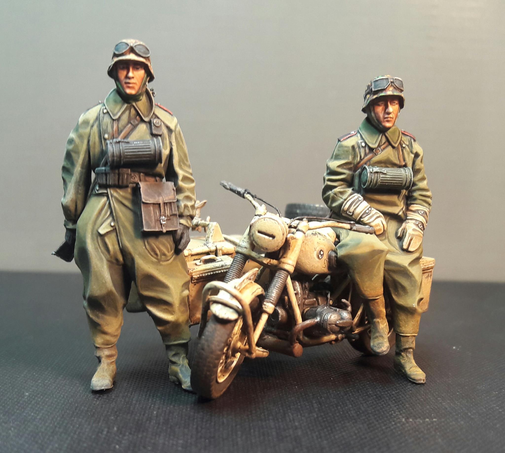 Zündapp KS750 - Sidecar - Great Wall Hobby + figurines Alpine - 1/35 - Page 3 4544381981453810211728407820229685209965o
