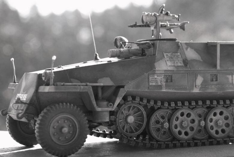 Sd.Kfz. 251/20 Ausf D 'Falke' AFVclub 1/35 460471IMG0133Copie