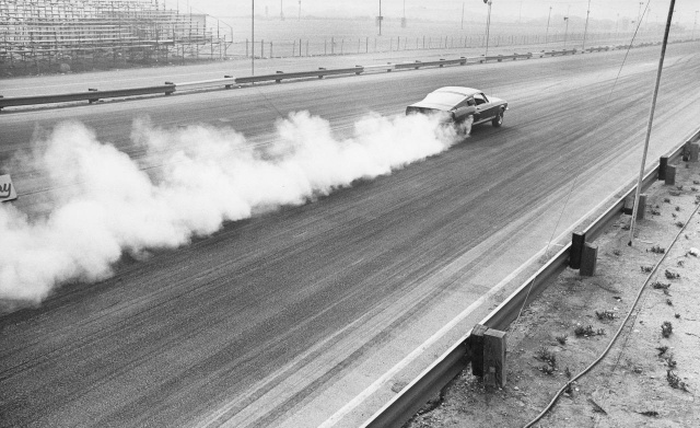 mustang shelby 350 GT 1967  au 1/25 de chez AMT/ERTL  464065fordmustangshelby1967wallpaper217