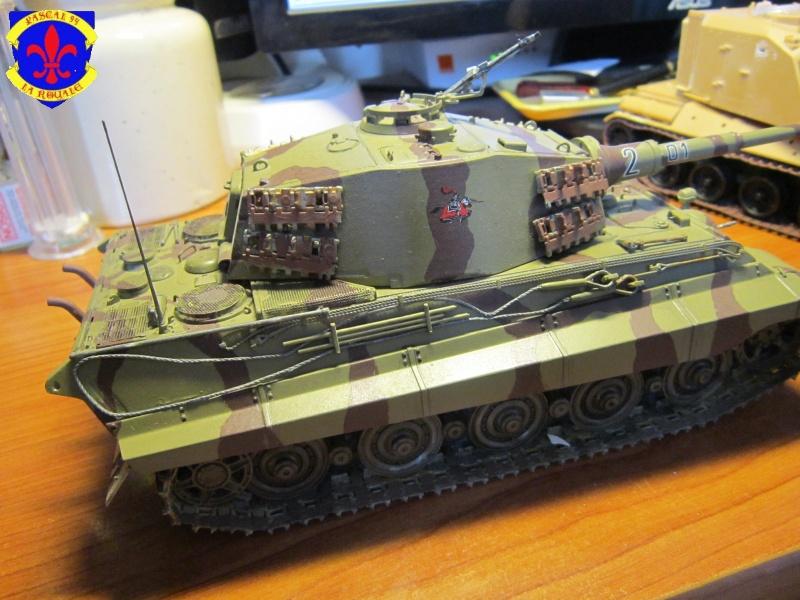 Sd.Kfz.182 King Tiger à tourelle Henschel de Dragon au 1/35e par pascal 94 - Page 2 465915IMG1608b