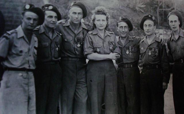 LES DÉCORATIONS AU CHOC 1943-1945. 466145Mariage120945LieutierFournierTotoMmeClauzonTorrietBallin