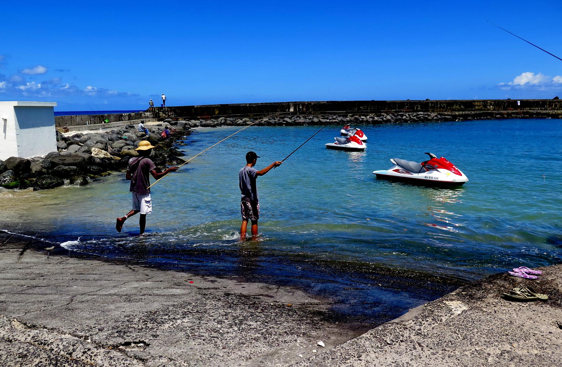[Vie des ports] Les ports de la Réunion - Page 2 467537marchsaintpaulstgilles143
