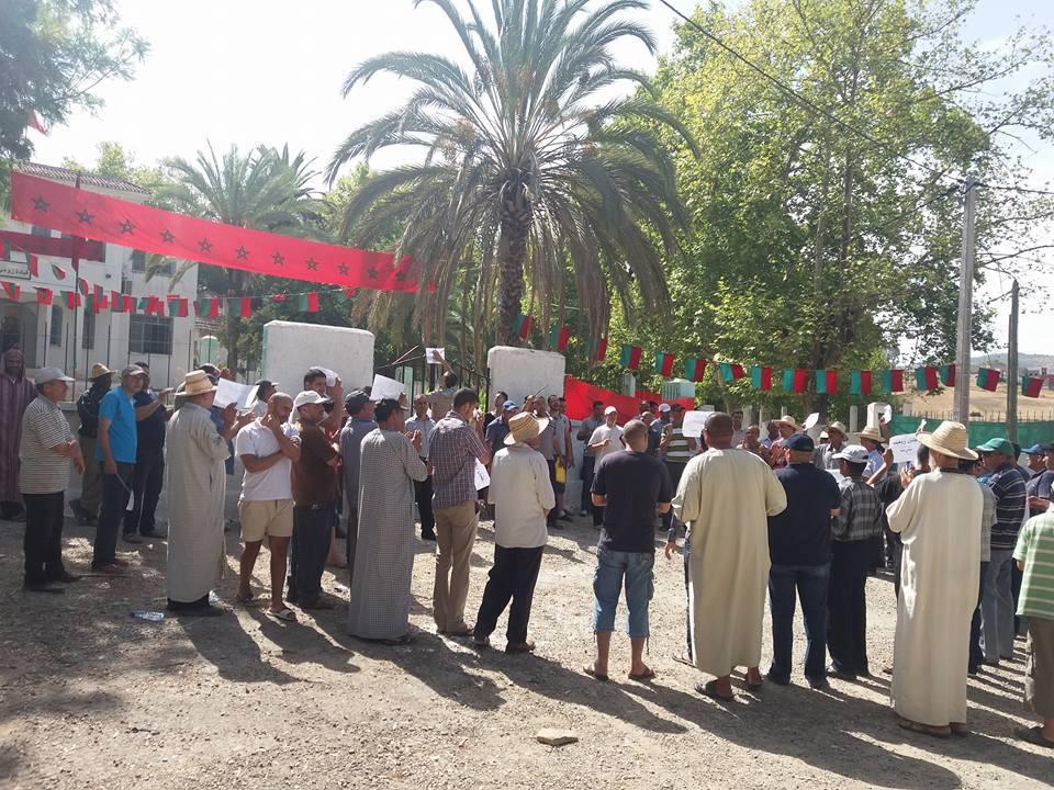 زومي : مسيرة احتجاجية  ضد العطش 471537139033556658082535749148672880210782537821n