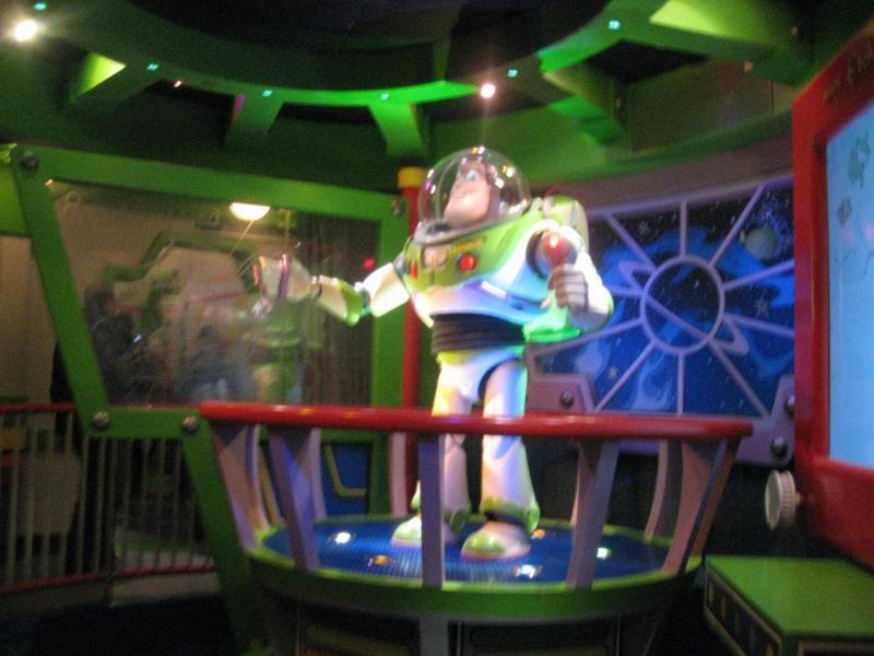 [Disneyland Paris] Disneyland Hotel - chambre Castle Club (8-10 décembre 2010) (début du TR p.9) - Page 9 472317IMG2167