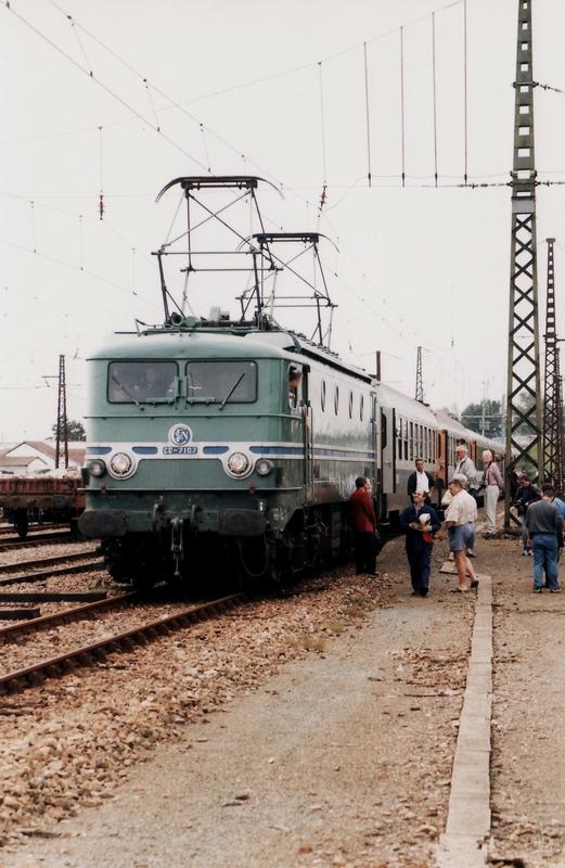 1999 - CC7107 train spécial IFC 2 octobre - Département des Landes 476843cc710719991002Ychoux1