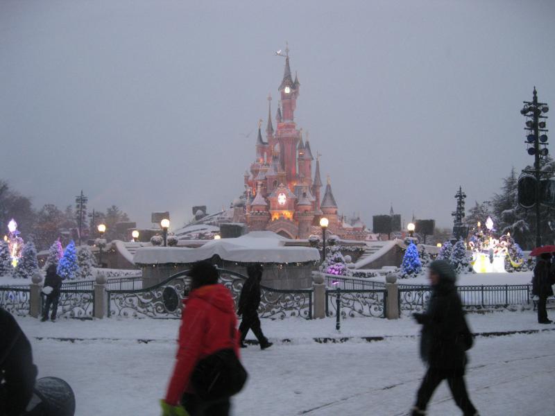 [Disneyland Paris] Disneyland Hotel - chambre Castle Club (8-10 décembre 2010) (début du TR p.9) - Page 8 479358IMG2022