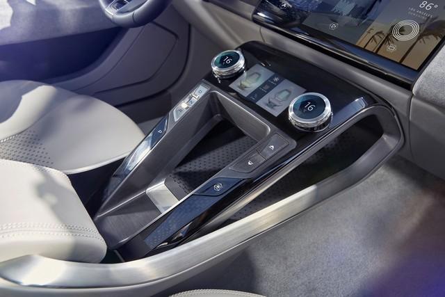 Jaguar Dévoile Le Concept I-PACE : Le SUV Électrique Performant 482667jaguaripaceconceptstudiointeriordetail14
