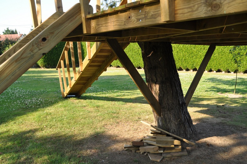 Projet de toboggant pour la cabane dans les arbres de mon fils, vos idées? - Page 3 488222Cabane24
