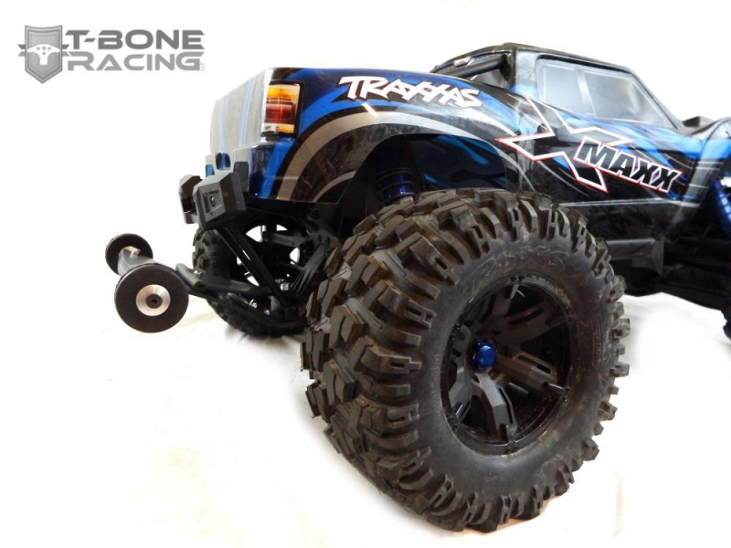 T-Bone Racing sort des chocs avec roulettes anti cabrage et des protections de triangles AV/AR 488923XMaxxCustomRear882787145618764212801280