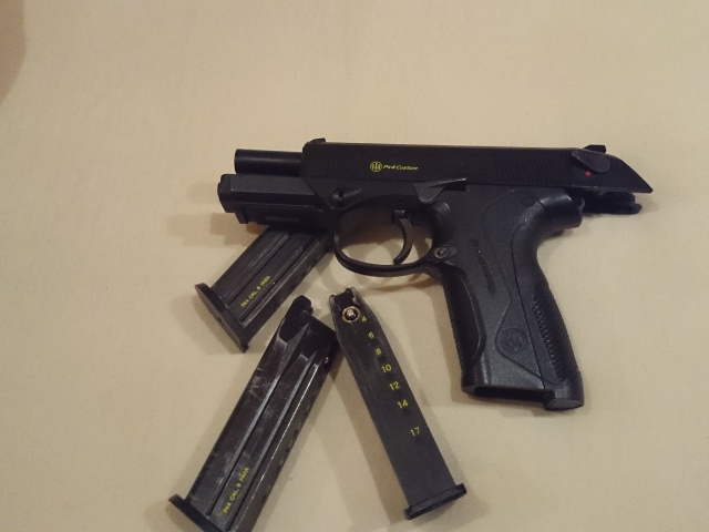 Px4 Tokyo Marui 3 Chargeurs, Holster, Joint Nineball Neuf 491909DSC0180