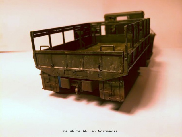 us white 666 cargo truck au 1/35 en Normandie hobby boss - Page 2 492904white2004