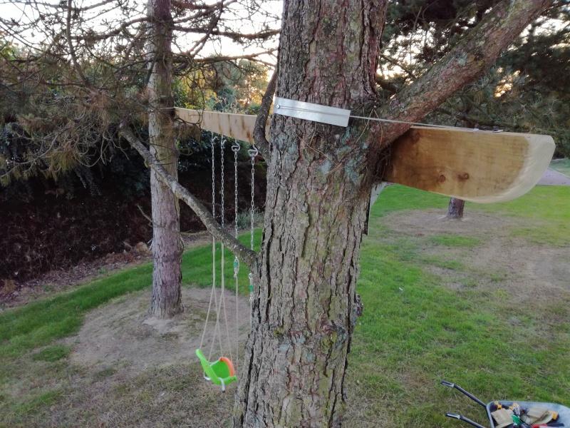 Projet de toboggant pour la cabane dans les arbres de mon fils, vos idées? 494618IMG20161006191037