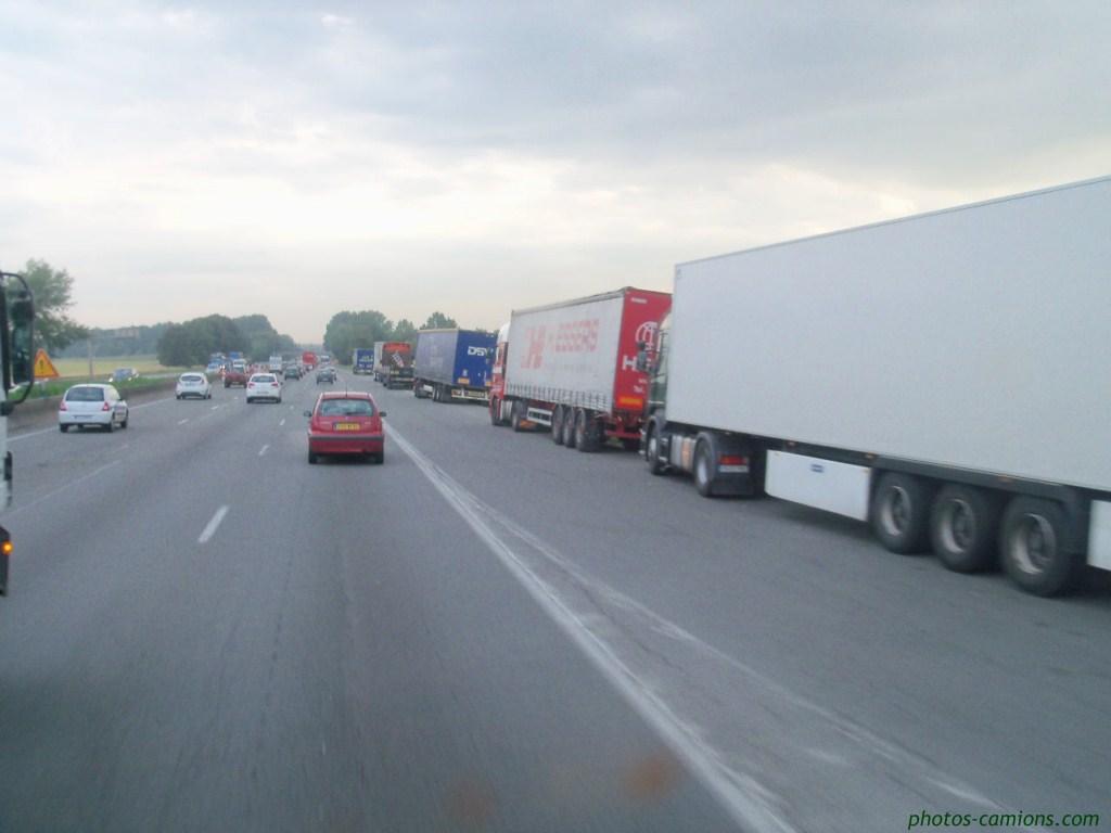 Les parkings d'autoroutes 494967photoscamions2IIX1110Copier