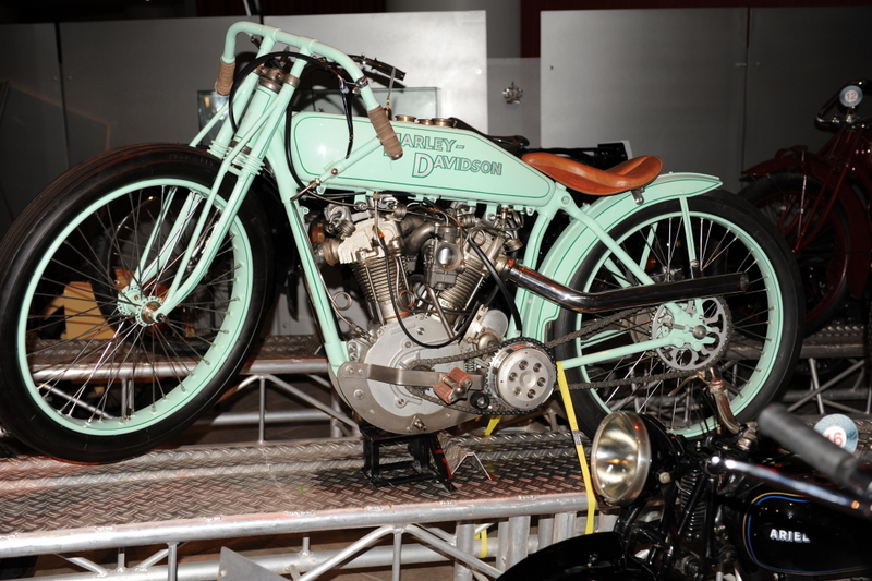 Les vieilles Harley....(ante 84)..... - Page 39 499322DSC1110