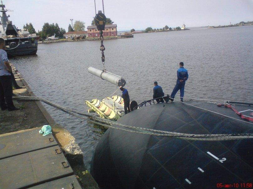 الكلوب اس على متن الغواصة الجزائرية  49972118