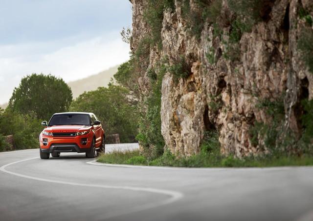 Range Rover Evoque Deux Nouveaux Modèles Autobiography en 2015 499768RREVQ15MYABDynamic18021409