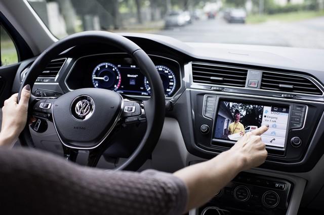 Ne faites pas attendre le livreur en vain grâce à Volkswagen Car-Net App-Connect  502080hddb2016al01868large