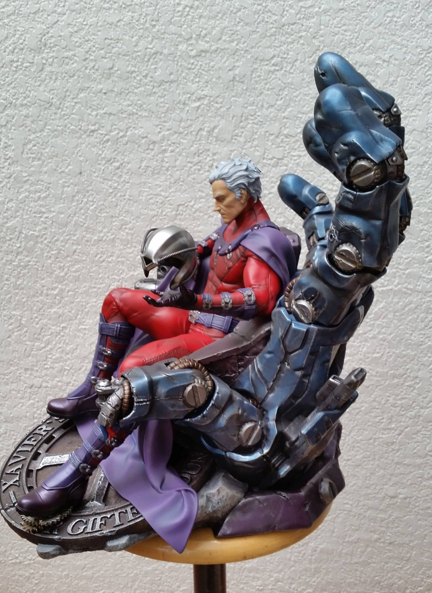 Premium Collectibles : Magneto on Sentinel Throne - Page 5 5020831036884014011596501047303003226882232183529o