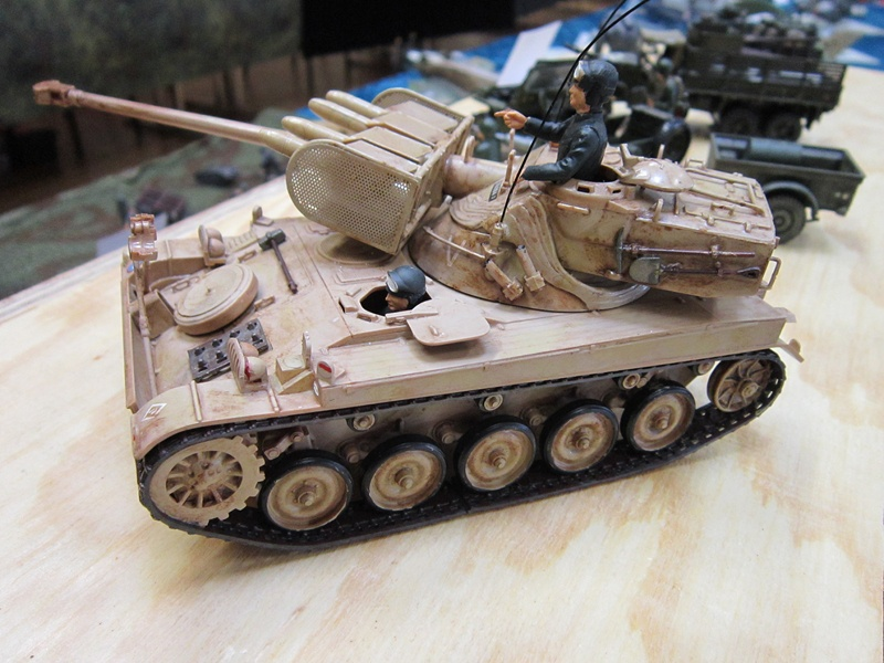 AMX 13 SS 11  Heller au 1/35 502758IMG0537800x600