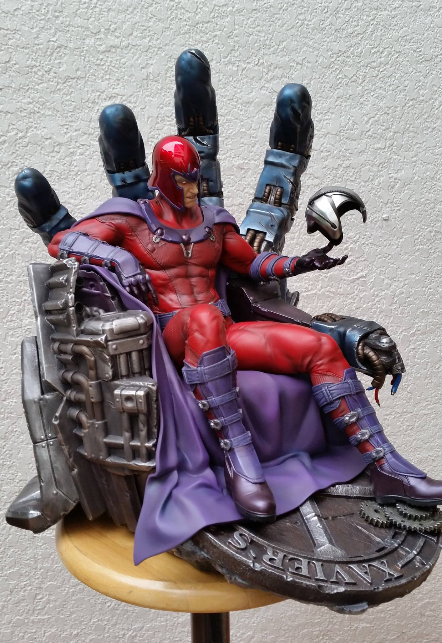 Premium Collectibles : Magneto on Sentinel Throne - Page 5 502981104805721401159916771370796480400967510655o