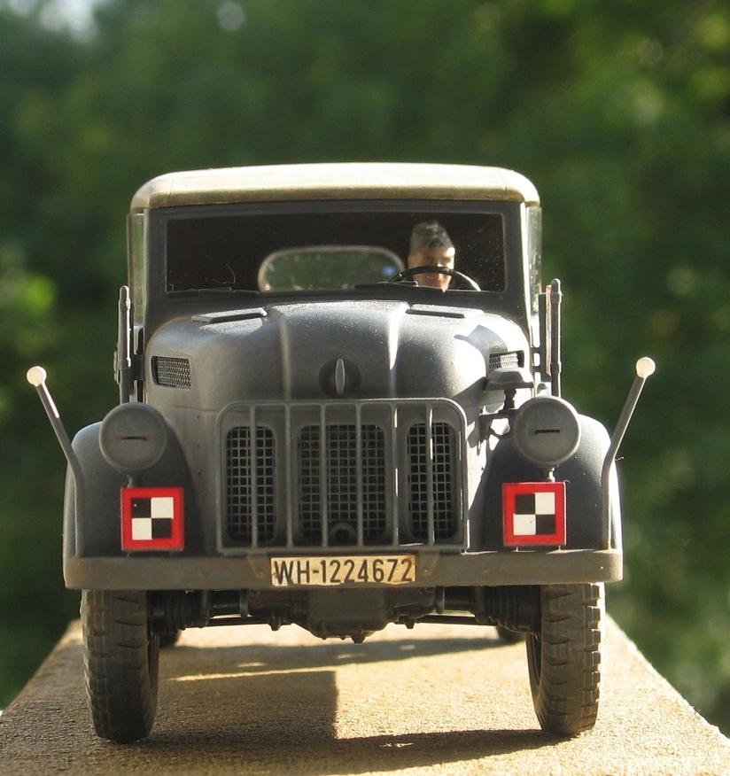 Steyr 1500A kommandeurwagen Tamiya 1/35 507668IMG0017