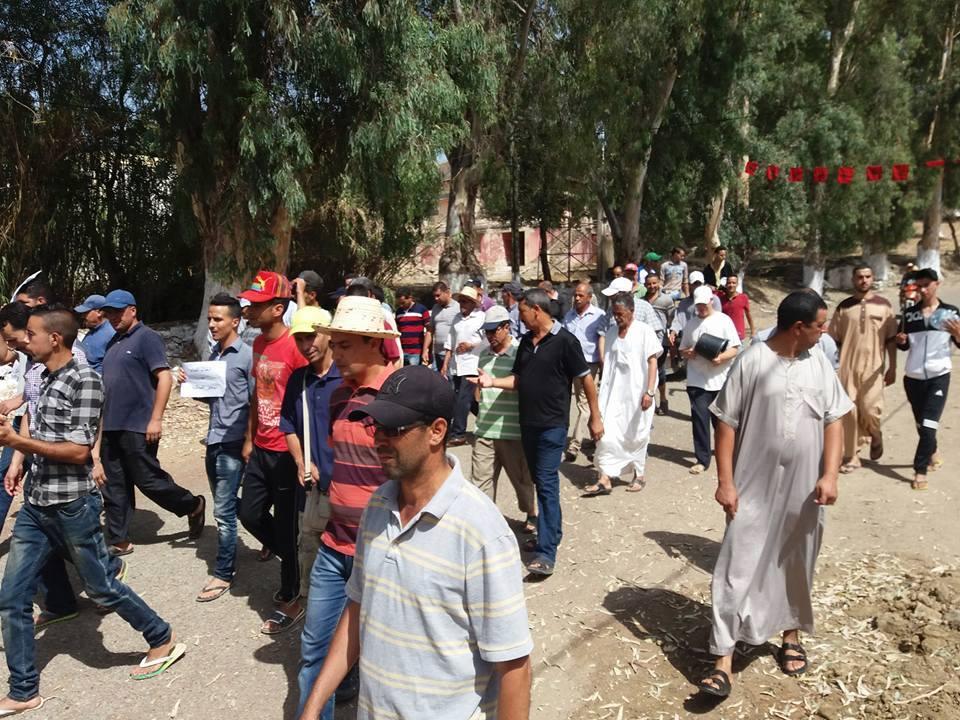 زومي : مسيرة احتجاجية  ضد العطش 511902139251116658082502415814126382766208218440n