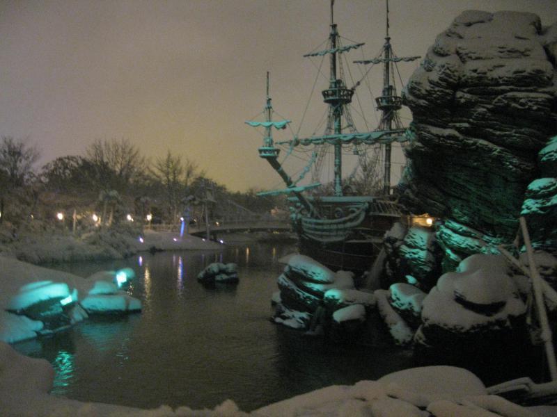 [Disneyland Paris] Disneyland Hotel - chambre Castle Club (8-10 décembre 2010) (début du TR p.9) - Page 8 515613IMG2052