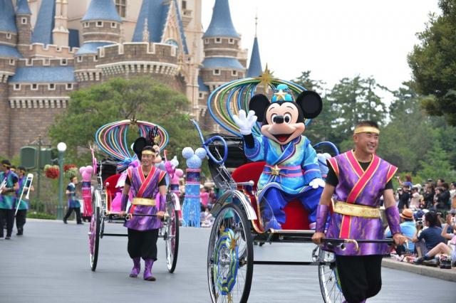 [Tokyo Disney Resort] Programme complet du divertissement à Tokyo Disneyland et Tokyo DisneySea du 15 avril 2018 au 25 mars 2019. 515793td2