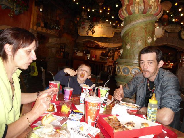 Un anniversaire chez Mickey les 9 & 10 juin 2011 - Hôtel Cheyenne  517551DSC00405