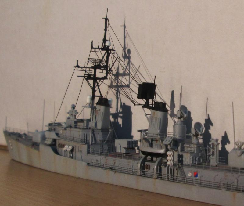 USS Charles F. Adams 1/700 518378IMG0576