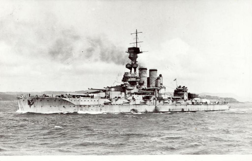 ROYAL NAVY CUIRASSE HMS ERIN  519127HMSERINpremireimage