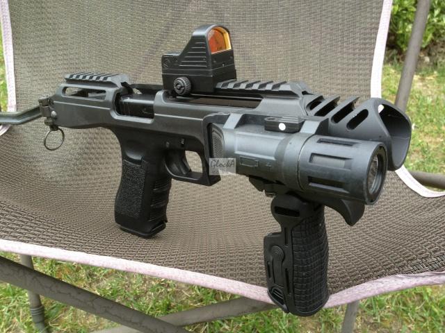 Kit carabine K.P.O.S pour Glock (Copie modèle FabDefense-Génération 1) 519646IMG6102